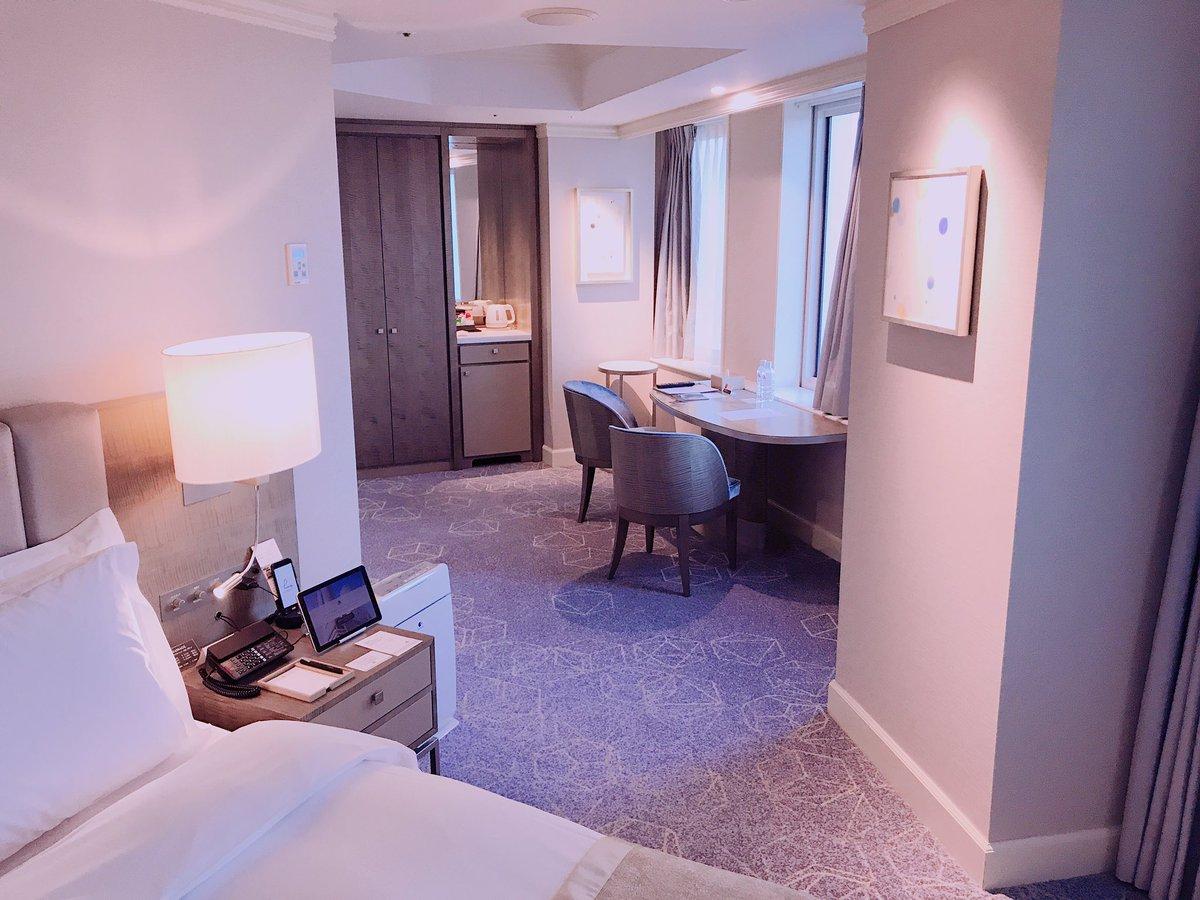年明けにマリオットに泊まってきましたが、✅ポイントで無料宿泊✅部屋がアップグレード✅アーリーチェックイン✅レイトチェックアウトできました(^^)マイル貯めて旅行する人とか、経費をよく使う不動産投資家にはおすすめ。ビジネスカードあれば最強なんですが?✨