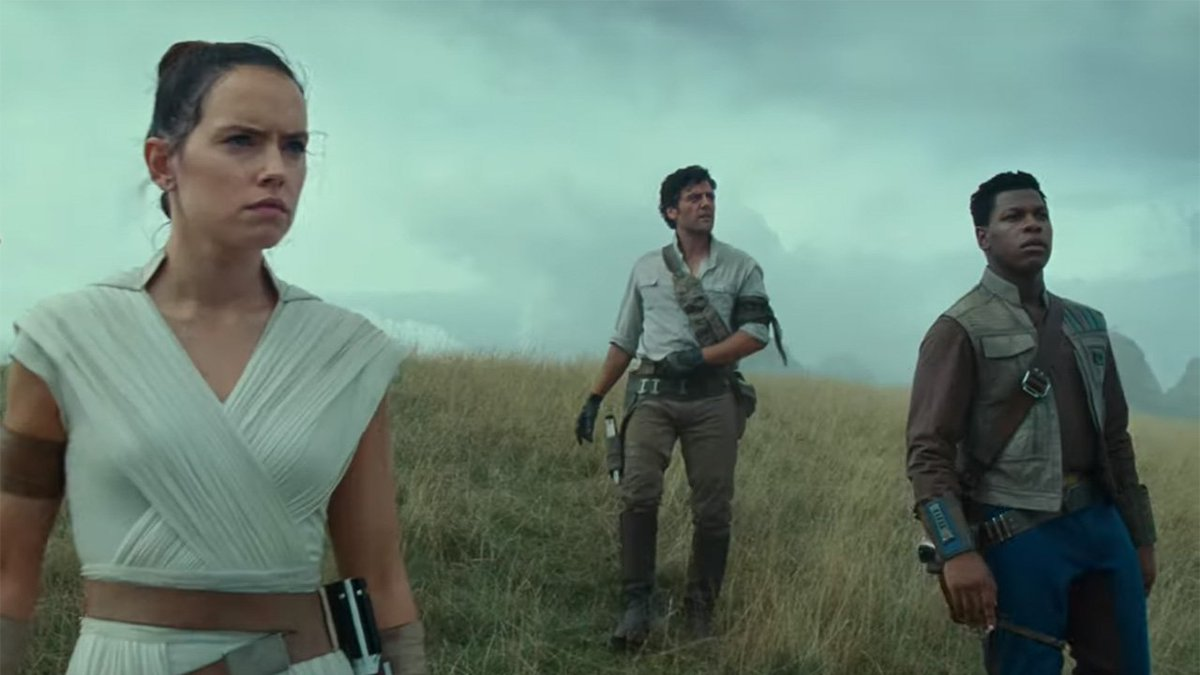Watch as fans react to seeing the first trailer for The Rise of Skywalker at Star Wars Celebration!