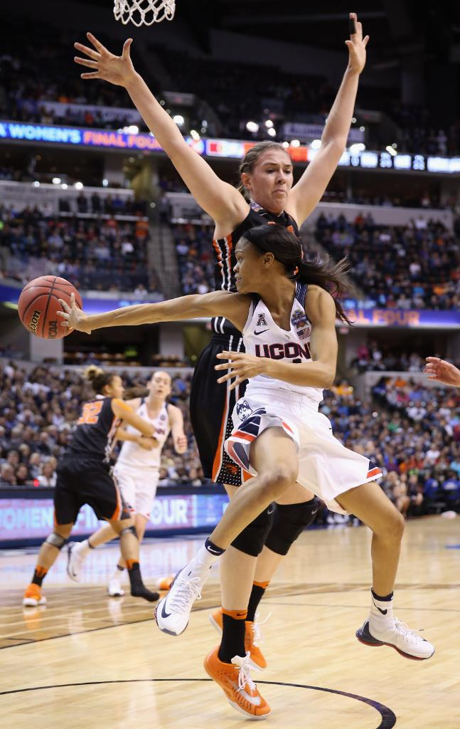 On this date: In 2016, @_BonnBonn and @UConnWBB made history winning their fourth consecutive National Championship. Moriah put up 13 points with 5 assists. #TourneySZN  📸 @GettySport