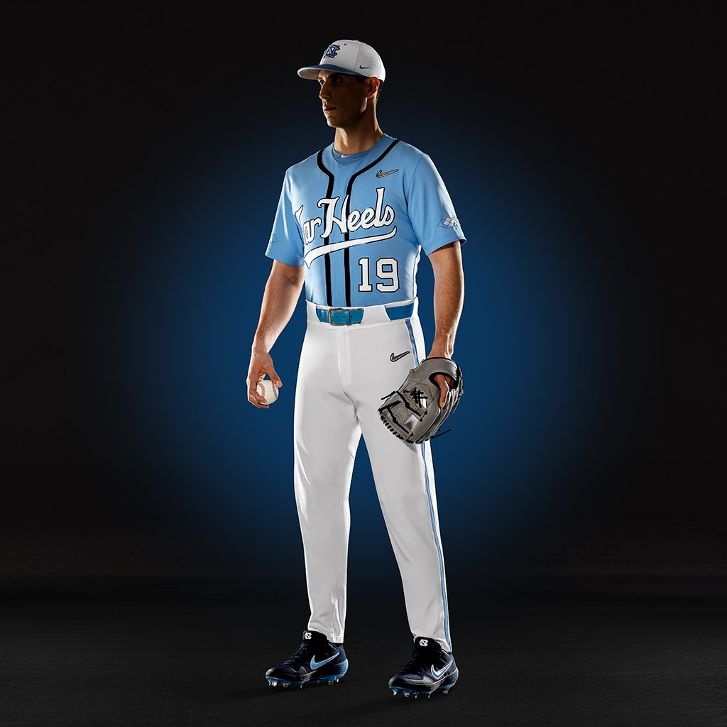 "b3259eab9e49 Tonight the Tar Heels will take the field in the Nike Vapor Prime uniform  and ""primed"" for performance. Outfit your team at http://niketeam.com . ..."