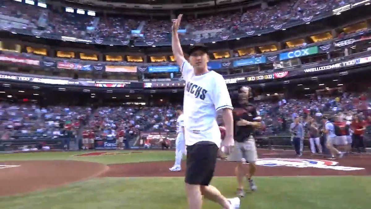 You know @BobbyHurley11 was HYPED after tossing a strike for the #DbacksOpeningDay first pitch. cc: @SunDevilHoops