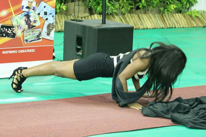 Female Graduate Of UKZN, South Africa Do Push-ups Before Receiving Her Certificate