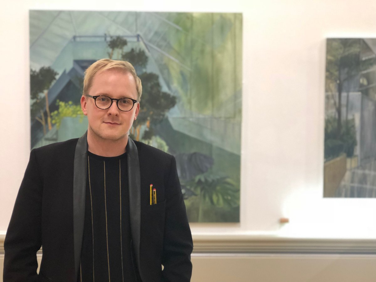 It's not too late to book your ticket for a tour of G R A F T today with one of the superb curators that has worked on the show, Garth. Today at 2pm.  #HarrisContemporary https://buff.ly/2CW2Zns  @garthgratrix @ukyoungartists