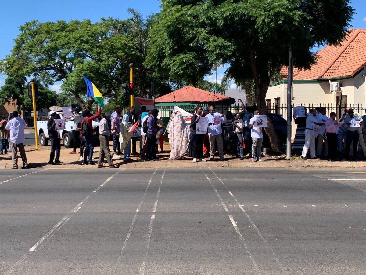 #تسقط_بس  #6April #sudanuprising SouthAfricapic.twitter.com/8IYHcm7hKm