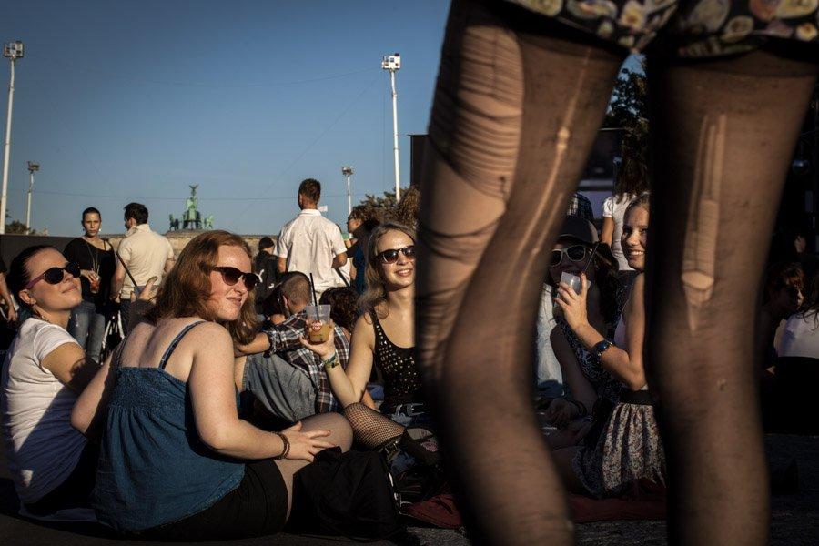Marvelous Berlin, October 2011. (https://www.instagram.com/gordonwelters)  #berlinickliebedir #marvelous #berlin #streetphotography #fromstreetswithlove #documentary #Latergram #onassignment #gordonwelters #berlinstreetphotography #berlinstreets #streetberlin #ig_berlincity #igberlin #artberlinpic.twitter.com/UTI4pwlHQe