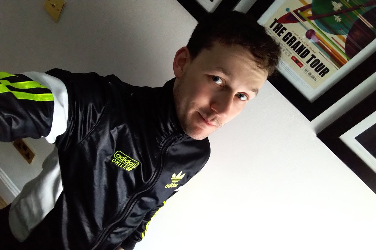 New jacket came in the post. Super excited!! #chile62 #scallylad<br>http://pic.twitter.com/jxQfqHQsON