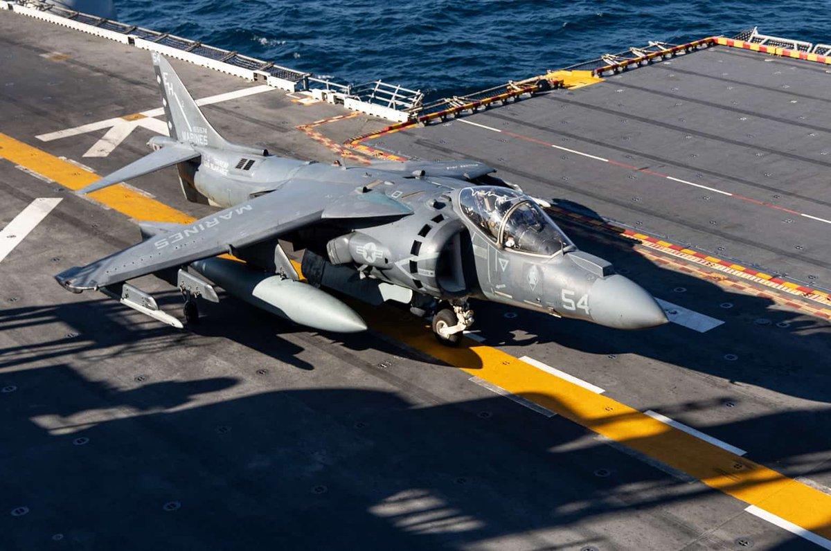 فيلق المارينز الامريكي يقرر تمديد خدمه مقاتلات AV-8B Harrier II الهجوميه الى العام 2028 D3deUhdW0AEfBAv