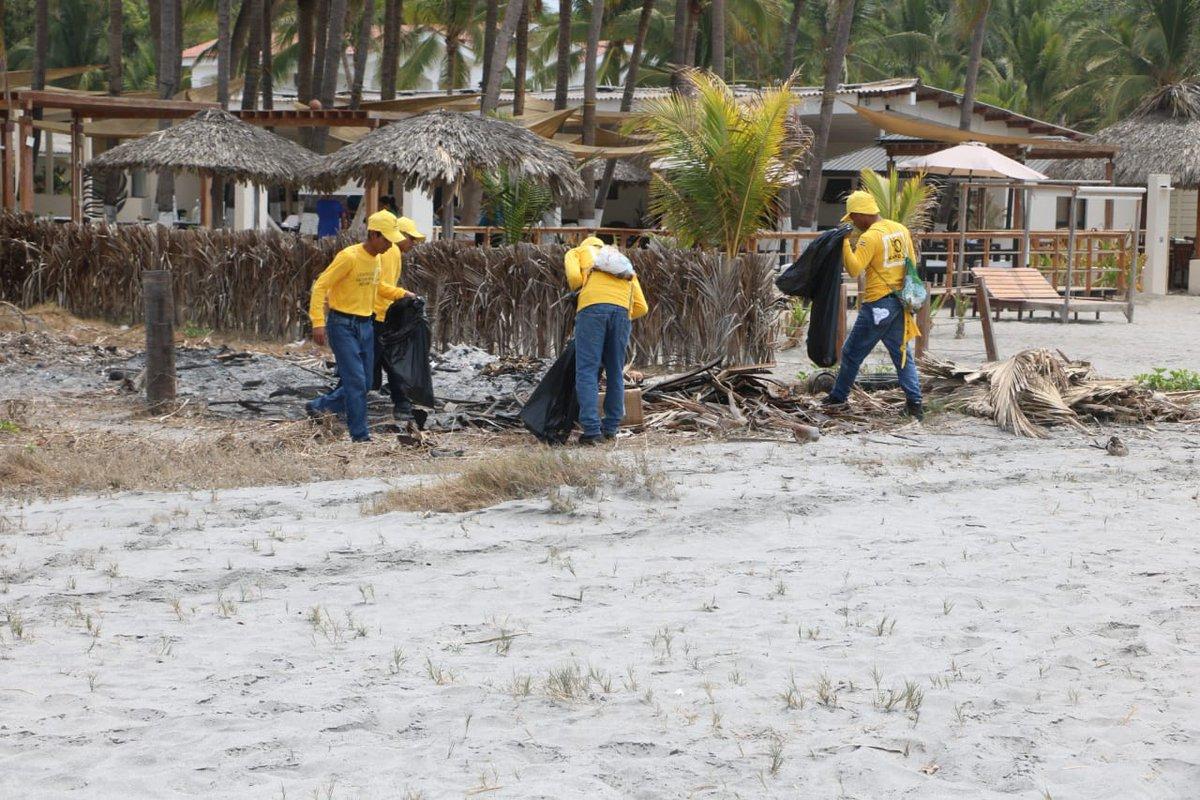 Resultado de imagen para Presos limpian playa para que quede impecable antes de Semana Santa