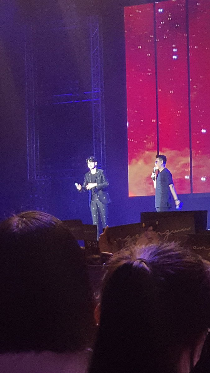[#OSWETERNITYINSG] After watching the video, #OngSeongWu said wanted to call out to Wannables again, and was happy he had the chance to meet everyone through the fanmeet.