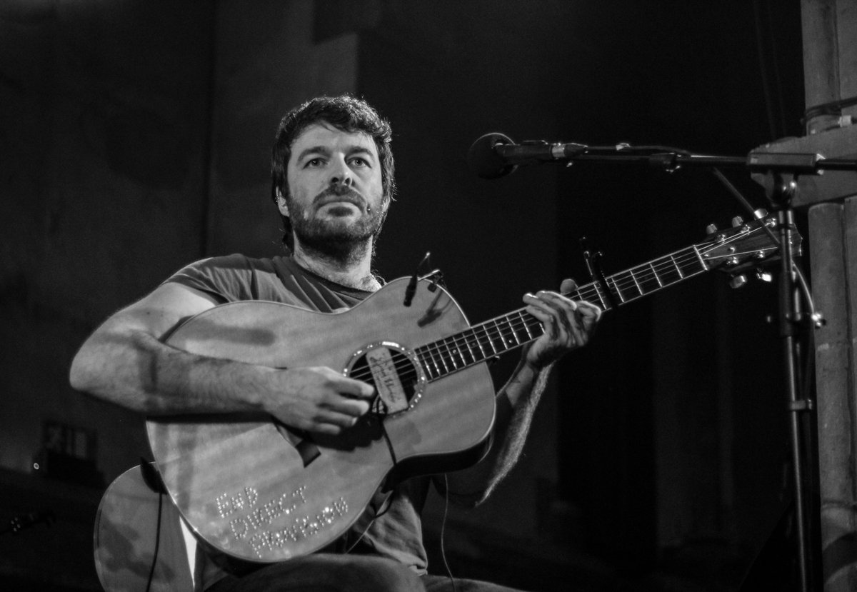 Daragh at St. Luke&#39;s, Cork, 17th March 2019.  Thanks to Loris Francoletti for the photo.  #daraghlynch #lankum #liveatstlukes #liveatstlukescork #livemusic #cork #jimmycrowley #salonika #stpatricksday #acousticguitar #drone #enddirectprovision #enddp<br>http://pic.twitter.com/qYJ451MpKx