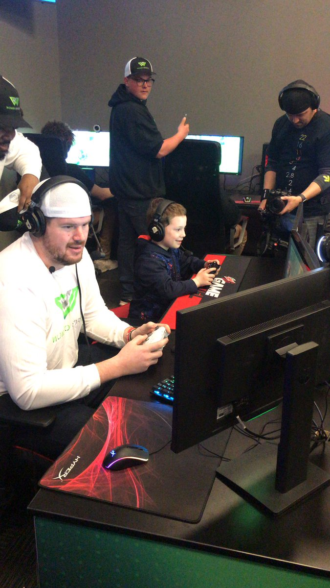 Little duos with @Sirles71_HSKR and @gavinthomas live on Twitch.TV/wombosports