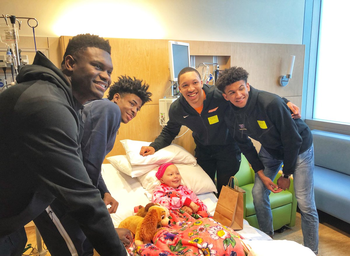 .@NaismithTrophy finalists @ZionW32, @GrWill2, @igotgame_12  and @MatisseThybulle brought their on-court spirit and commitment to our hospital this morning. Our patients loved meeting all of you! 🏀🏀 #MarchMadness #NCAA