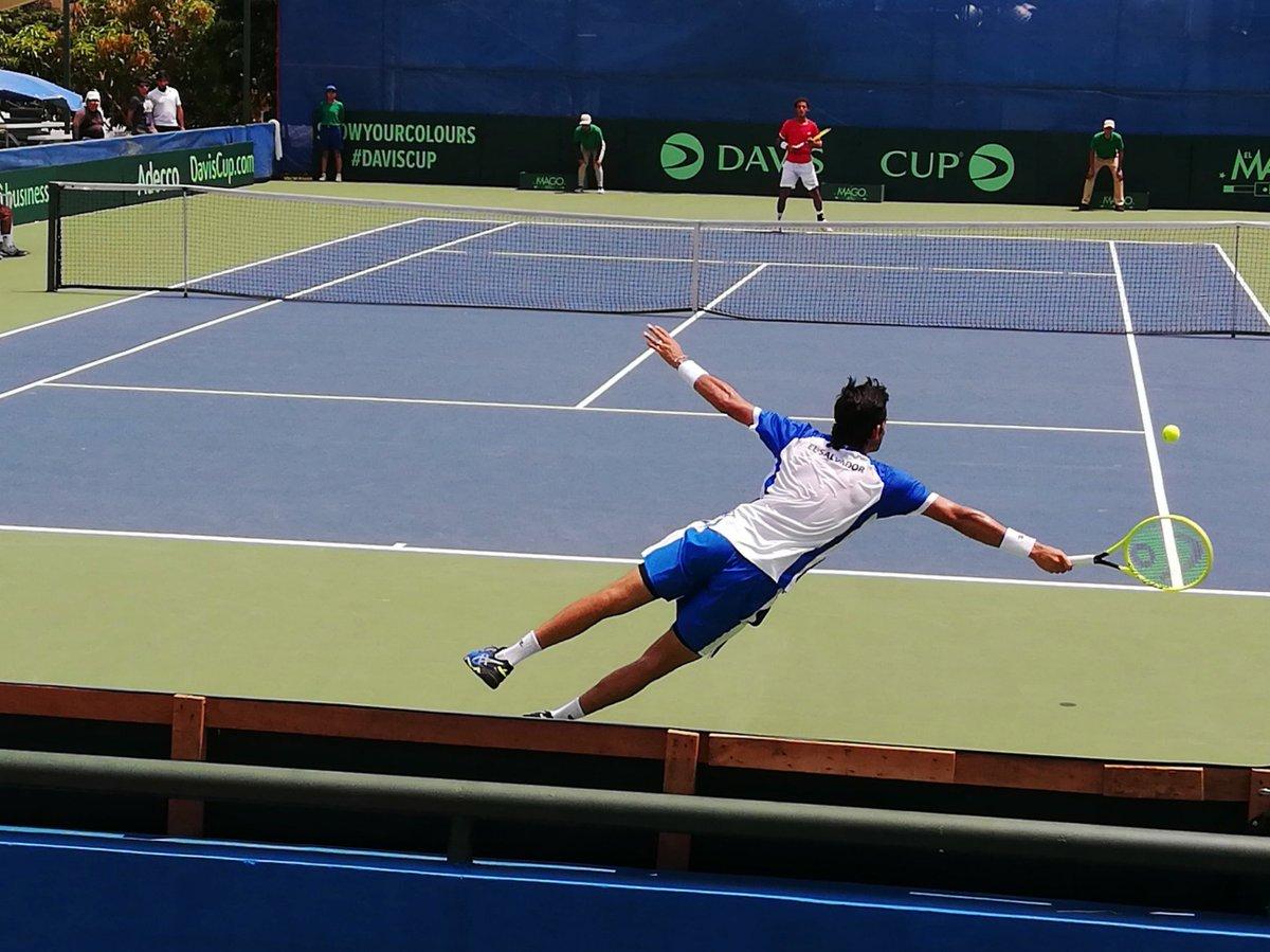 🐦? ✈️? No, it's super @CheloArevaloATP! El Salvador v Peru #DavisCup 📸@miltonaparicio