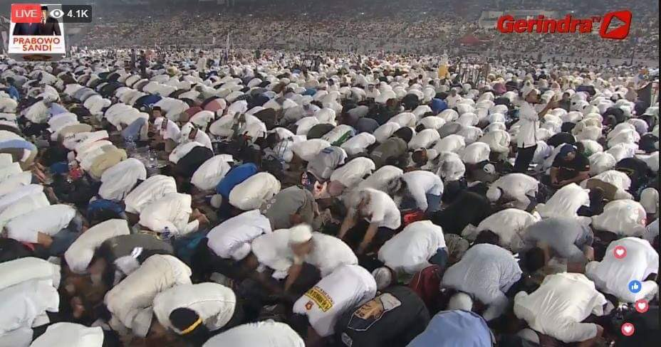 #TheGreatCampaignOfPrabowo started with Fajr Prayer. Indonesians praise to the ONE Who Creates, The ONE who accepts and fulfill.   Ya Allah, please allow us new leaders that will bring to our Nation, justice and prosper