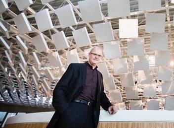 """test Twitter Media - Een van de Pech Kucha demonstraties as woensdagavond:  Leon Konings : """"Philips Licht voor een Duurzame Circulaire Economie"""" en """"betalen voor gebruik en niet voor de installatie"""". https://t.co/LZKvxmB3Eb"""