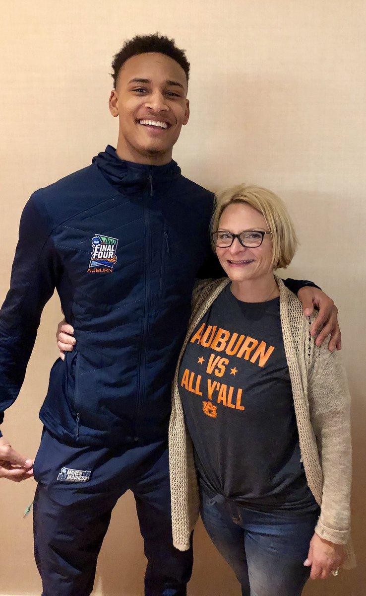 You made my night @Bwb_2!  Love all you guys! #WarEagle! https://t.co/8MSZ830FQj