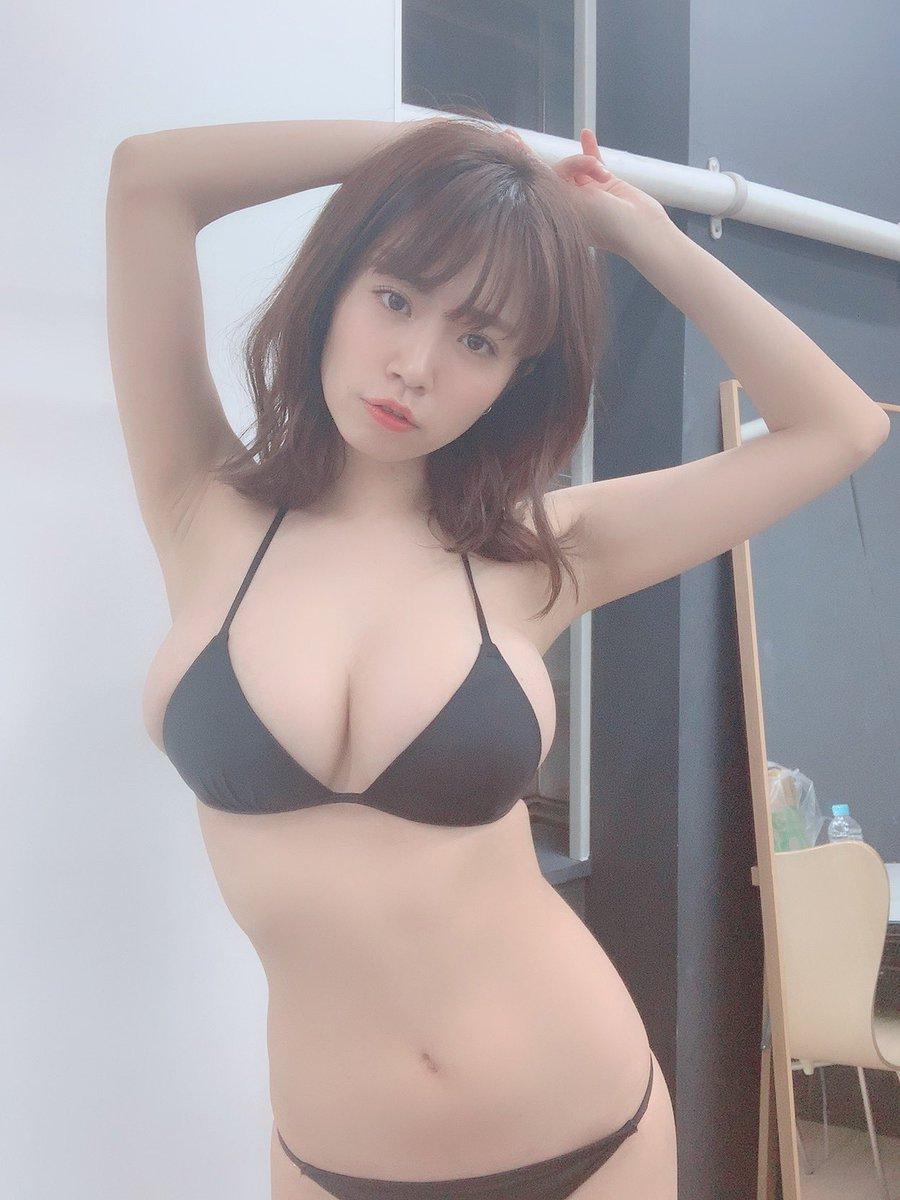 菜乃花の爆乳画像6