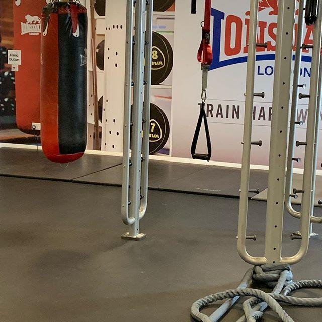 Sunday  2 rounds  Ladder  12 reps or to failure  Gorilla rows KB press ups Narrow grip press ups Front rack reverse lunges  Seated shoulder raise Front rack squats Overhead KB rack carry KB swing Single arm KB swing  Hollow V sits w DB punch Suitcase cru… http://bit.ly/2uRKDzG
