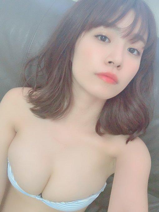 グラビアアイドル菜乃花のTwitter自撮りエロ画像37