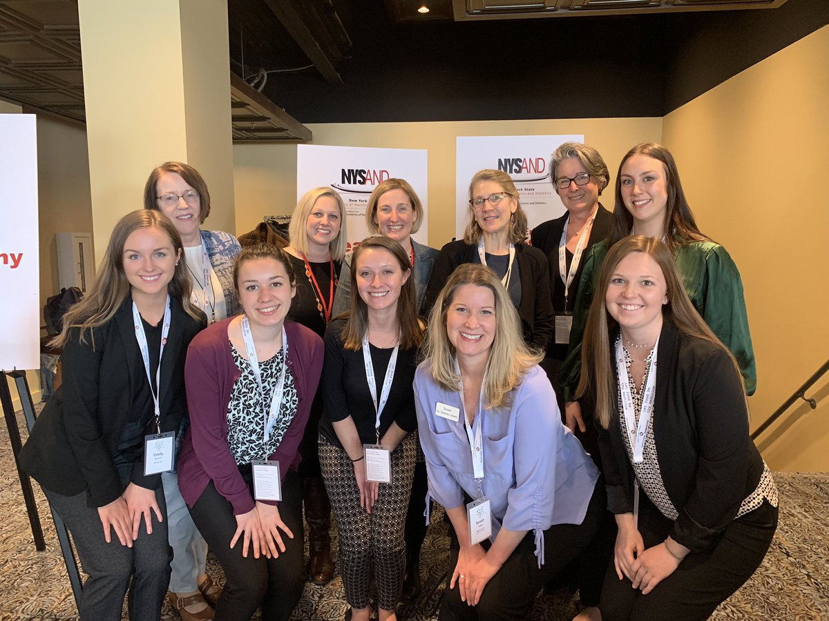My heart is full from seeing fellow #RDN colleagues old and new  @eatrightny #AME2019 and especially my @SyracuseU alumni, students, and faculty. @CuseSportsRD @eatrightPRO @foodbankcny