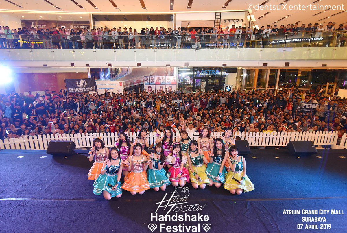 "[Liputan] Suasana Meriah di JKT48 ""High Tension"" Handshake Festival Surabaya"