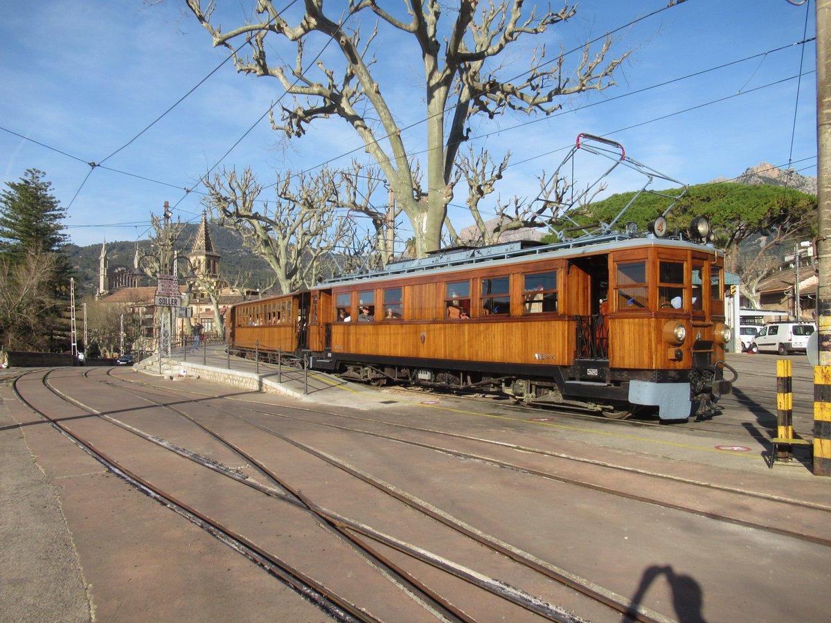 D3kLw oXsAESnk3 - Ferrocarril de Sóller