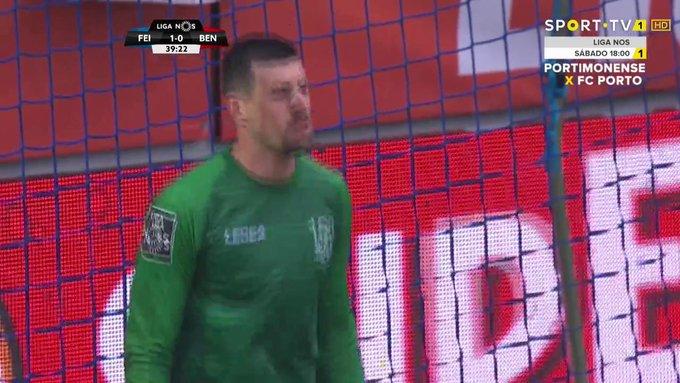 D3kO92uUcAEUPEV?format=jpg&name=small Do susto à goleada na Feira, Benfica recupera a liderança do campeonato