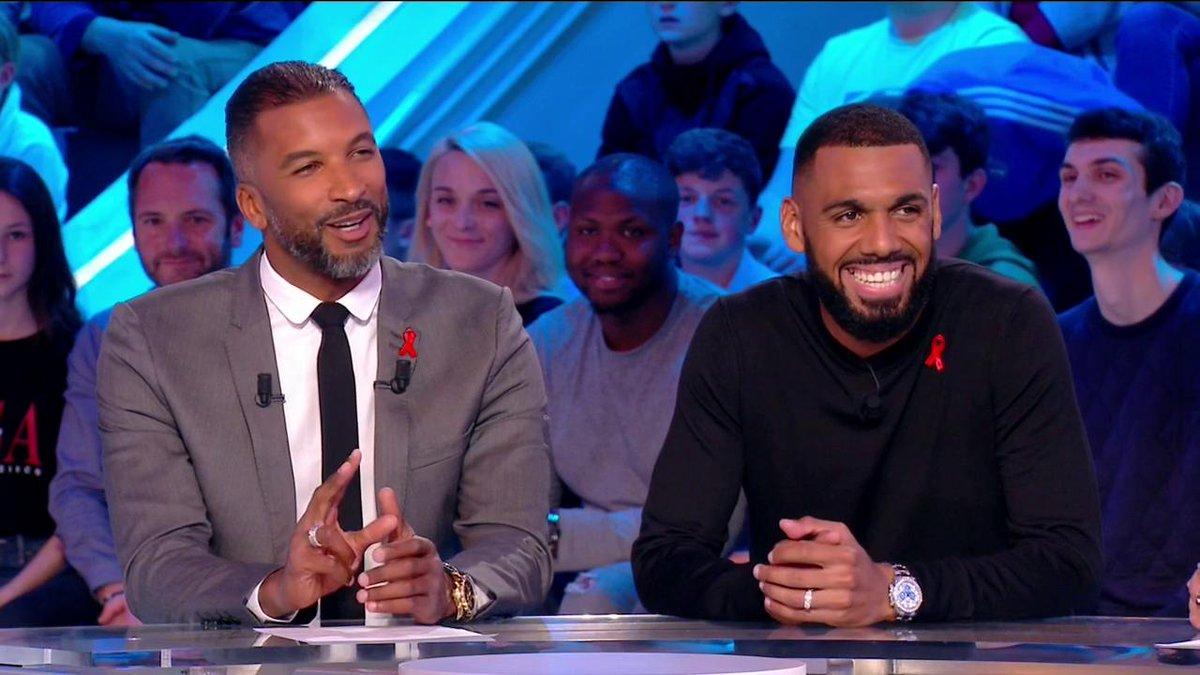 """M'Vila : """"On est heureux lorsqu'on est footballeur à Saint-Etienne"""""""