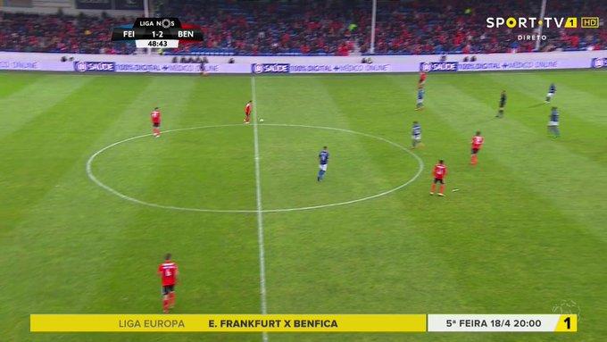 D3kV6P_V4AY-hv1?format=jpg&name=small Do susto à goleada na Feira, Benfica recupera a liderança do campeonato