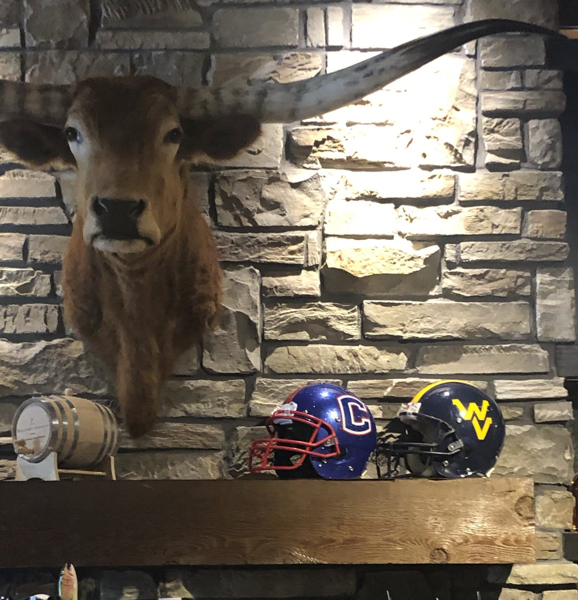 Cool walking into @LongHornSteaks in Cleveland, TN and seeing Walker Valley being represented. Love seeing our program in the community. #everyonetogether #newlook #chooseWV<br>http://pic.twitter.com/JaFoHekhKE – à Longhorn Steakhouse
