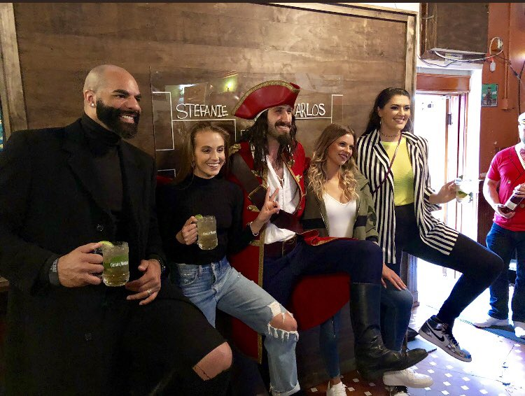 #ad I'm at the ground in Minneapolis for the semi-finals of the Captain's #PoseoffBracket Challenge! Keep your eye on @CaptainMorganUS for updates to see if I out-pose @RADeMita! Do I have what it takes?!?! #captainmorganpartner