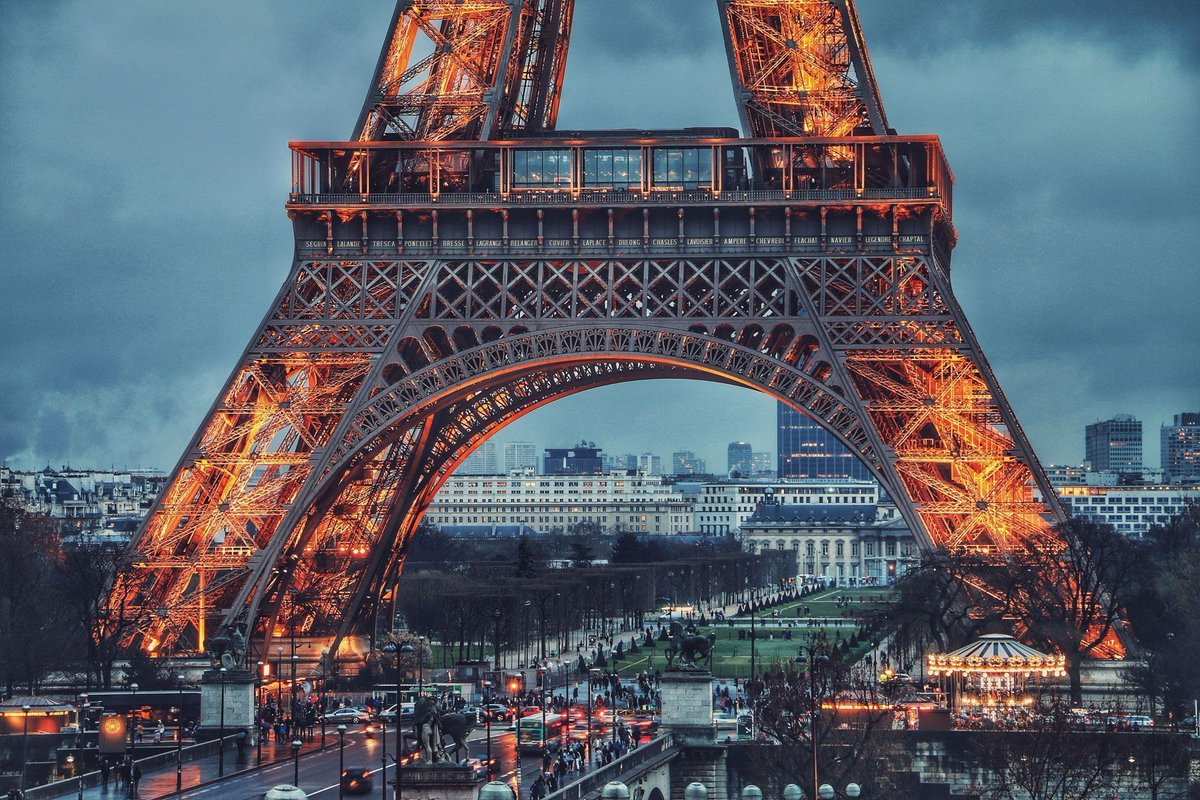 My best tips for exploring Paris, France   https:// samb.tv/2N1rJ1l  &nbsp;   #ValentinesDay <br>http://pic.twitter.com/gcQAf0rbPo