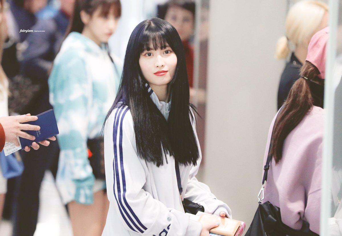 人生やり直せるとしたら有名大学に入って韓国に留学してその後TWICEと何らかの仕事ができる韓国の一流企業に就職して飲み会かなんかで平井ももさんと知り合ってそのまま付き合って結婚したい()