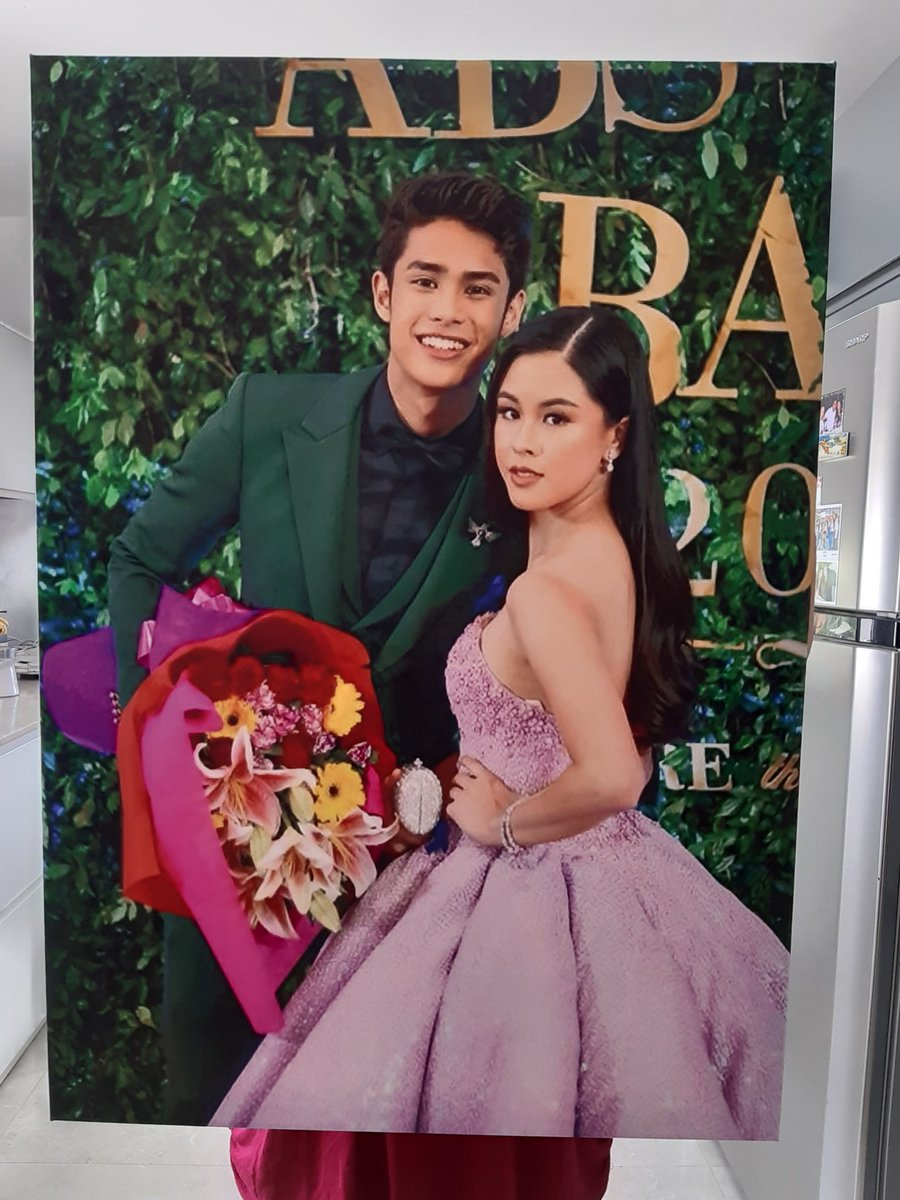 YEHEY FINALLY NAKUHA KO NA PINA CANVAS KONG PICTURE NG DONKISS MY LOVE @KissesDelavin and @donnypangilinan. SOBRANG LAKI 100X120 PAANO KO IUUWI :-) SUPER HAPPY AND PROUD TO DONKISS ALWAYS. I LOVE YOU BOTH.   #DonKiss  #DonnyPangilinan  #KissesDelavin