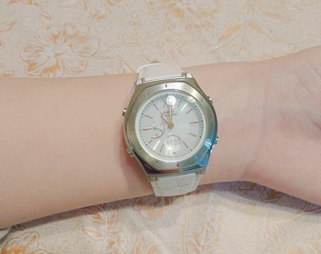 ぱぴーとまみーに就職祝いの時計貰った……!!!!!!!!!!!!!!