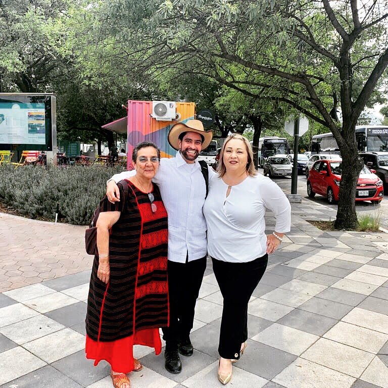  Interviews at Tec de Monterrey  #ThePOPMovement was interviewed by the local radio and podcast stations of Tec de Monterrey on April 5, 2019. The interviews underscored the role of the POP Movement in supporting and leading youth-led #climateaction!  @CIIEMADIPN