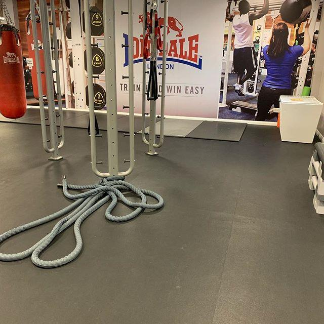 Monday workout! #kettlebellworkout #coreworkout #strengthandconditioning #metabolicconditioning #personaltrainer #trxworkout #dumbbellworkout @agility_health  Monday  2 rounds  TRX wide row TRX row to reverse fly TRX superman TRX single arm Power pulls B… http://bit.ly/2D2vYG5