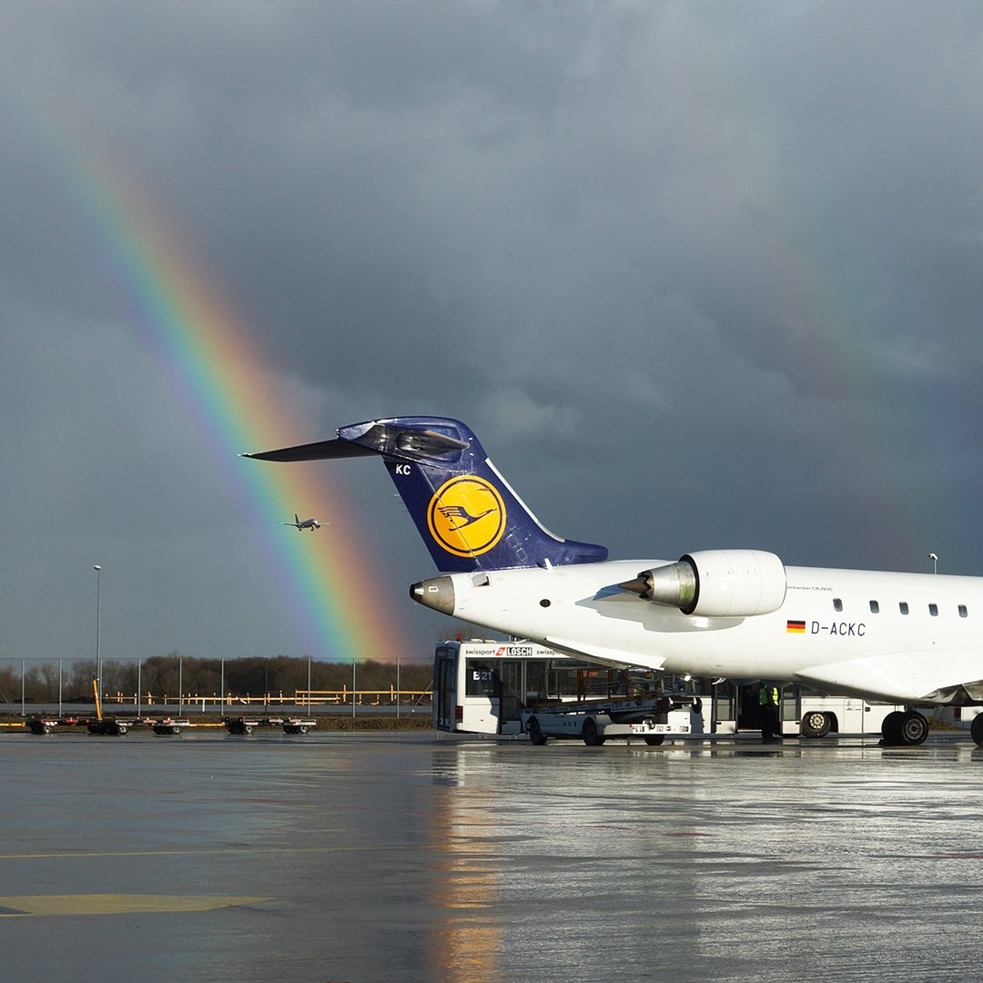 April weather conditions at it's finest 🌈✈️ #MondayMotivation