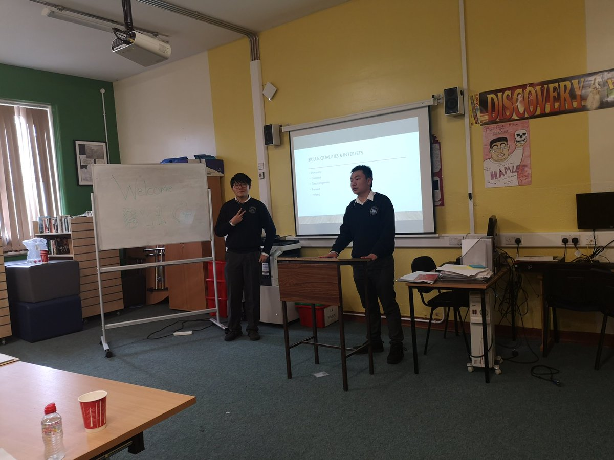 Our 5th year students giving a presentation thanking @bwg_foods for giving them a huge opportunity to work at one of their stores. @CbsCastle #presentations #jobopportunity