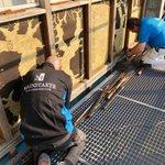 Yes, de week is weer begonnen! Vanmorgen zijn we gestart met houtrotsanering aan politiebureau Hilversum. #duurzaamonderhoud