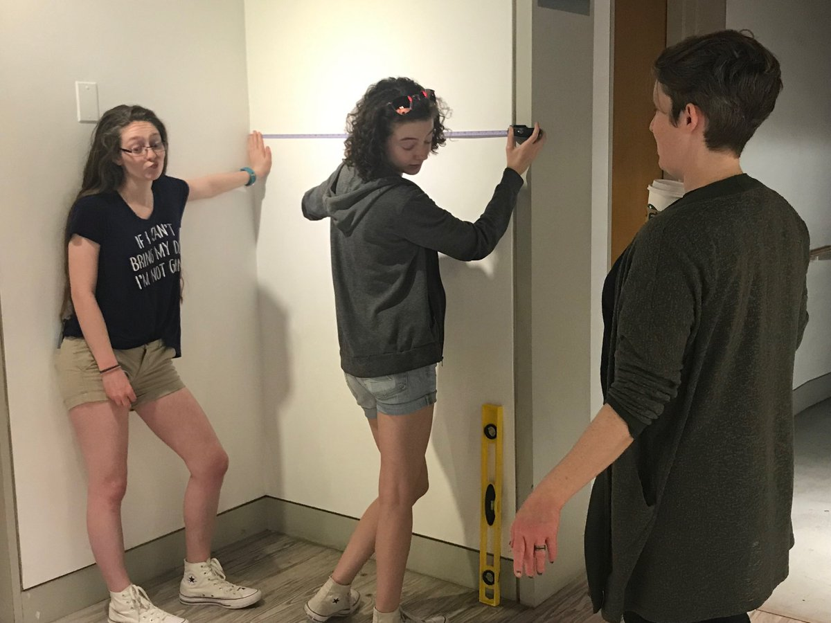 Math skills coming into play while installing the senior art exhibition ⁦<a target='_blank' href='http://twitter.com/HBWArt'>@HBWArt</a>⁩ ⁦<a target='_blank' href='http://twitter.com/HBWProgram'>@HBWProgram</a>⁩ ⁦<a target='_blank' href='http://twitter.com/APSArts'>@APSArts</a> <a target='_blank' href='http://search.twitter.com/search?q=loveHB'><a target='_blank' href='https://twitter.com/hashtag/loveHB?src=hash'>#loveHB</a></a> <a target='_blank' href='http://search.twitter.com/search?q=arlingtonartscenter'><a target='_blank' href='https://twitter.com/hashtag/arlingtonartscenter?src=hash'>#arlingtonartscenter</a></a> <a target='_blank' href='https://t.co/DXTXrR58I5'>https://t.co/DXTXrR58I5</a>