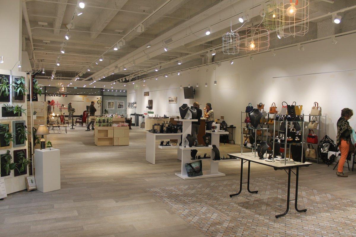 Ça y est la nouvelle boutique des créateurs a ouvert ses portes au centre commercial @3fontaines à @villedecergy ! Une boutique éphémère dans laquelle vous pourrez découvrir une sélection d'#artisans locaux choisis par la CMA95 jusqu'au 1er juin ! #artisanat https://t.co/2Xkt4UkclD