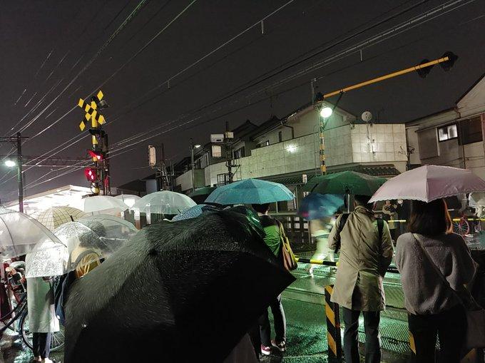 落雷】京成線 東中山駅付近で落...