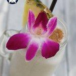 Image for the Tweet beginning: But first... Cocktails!🍹 #lonestarbarbados #barbados