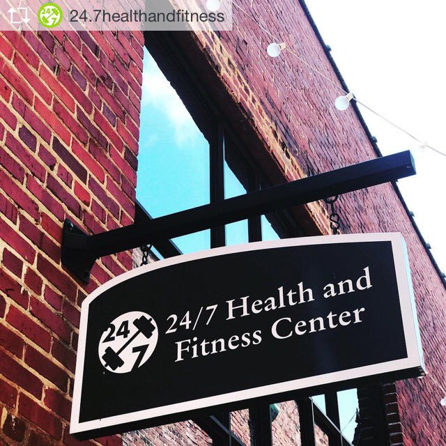#StayFit while staying at #CapitolPlaces! We'll give a free gym membership to anyone who signs a 12-month lease... [803-779-5171 http://www.capitolplaces.com ] . . . #leasing #apartments #downtownliving #mainstreet #ColumbiaSC #newhomes #247HealthandFitness #SodaCity #1626Main