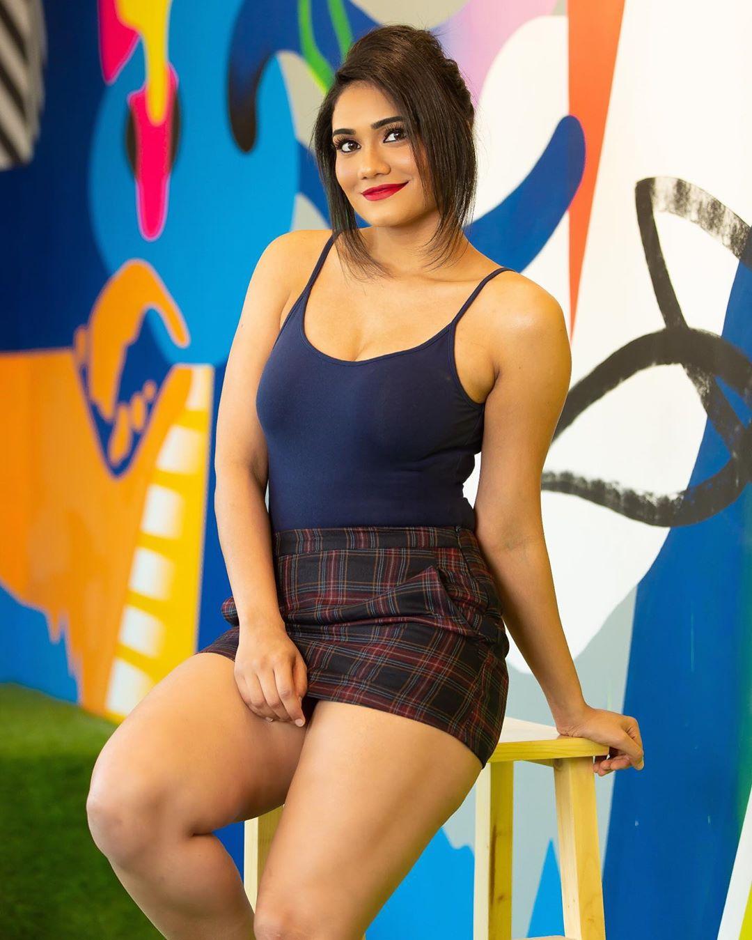 """Indian Desi Girl on Twitter: """"Vote for Your HOT Fitness Trainer! RT for  Sapna Vyas Patel (Left) Fav for Richi Shah (Right) @CoachSapna  @CoachRichiShah… https://t.co/WKk6htkPF0"""""""