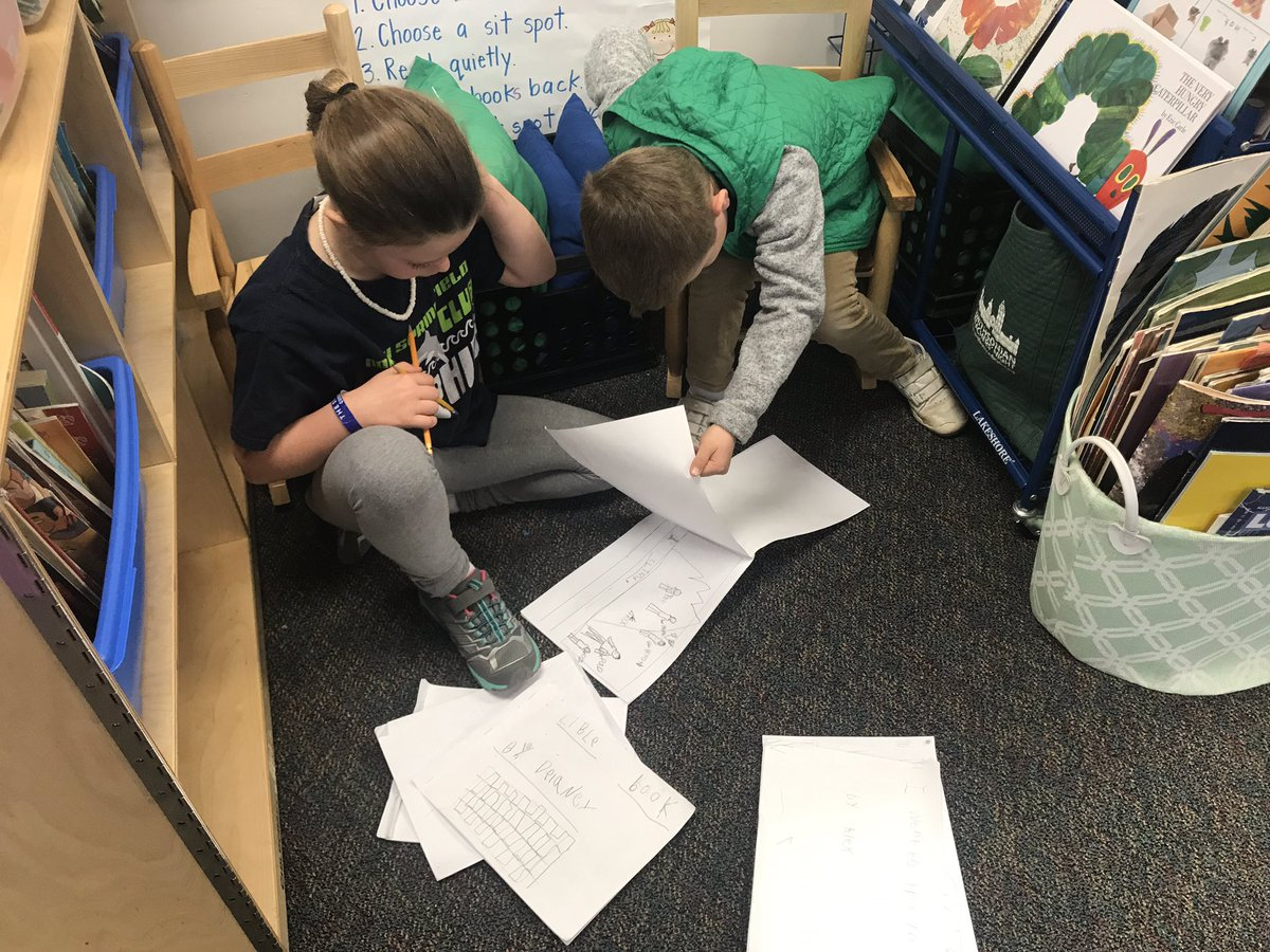 Kindergarteners learning to peer edit their writing. <a target='_blank' href='http://search.twitter.com/search?q=PHESbulldogs'><a target='_blank' href='https://twitter.com/hashtag/PHESbulldogs?src=hash'>#PHESbulldogs</a></a> <a target='_blank' href='https://t.co/CymL9Ek7nm'>https://t.co/CymL9Ek7nm</a>