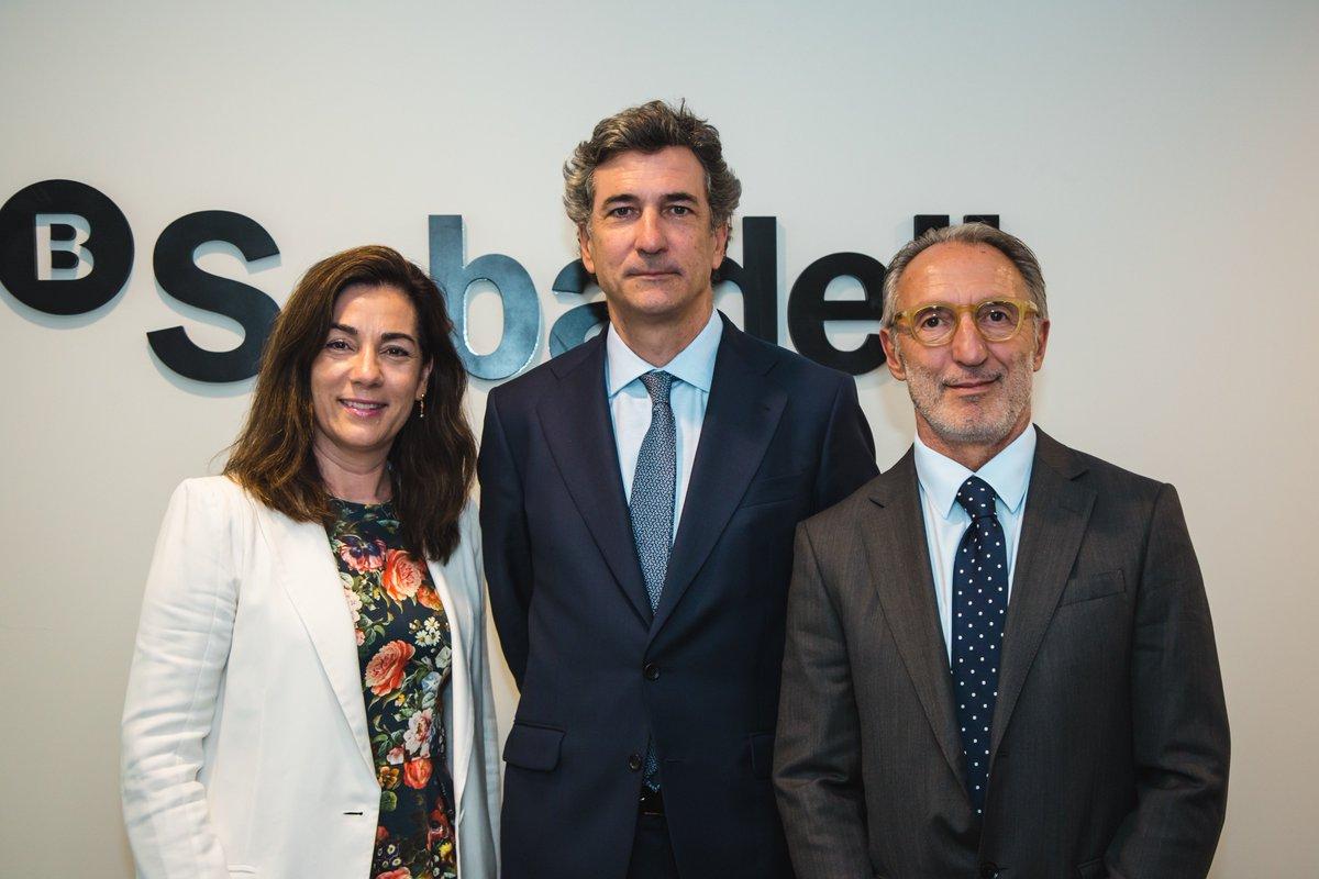 .@BancoSabadell inaugura sucursal a #Portugal. L'entitat preveu superar els 1.000 milions d'euros en volum de negoci el 2022 http://bit.ly/2UHHC3k