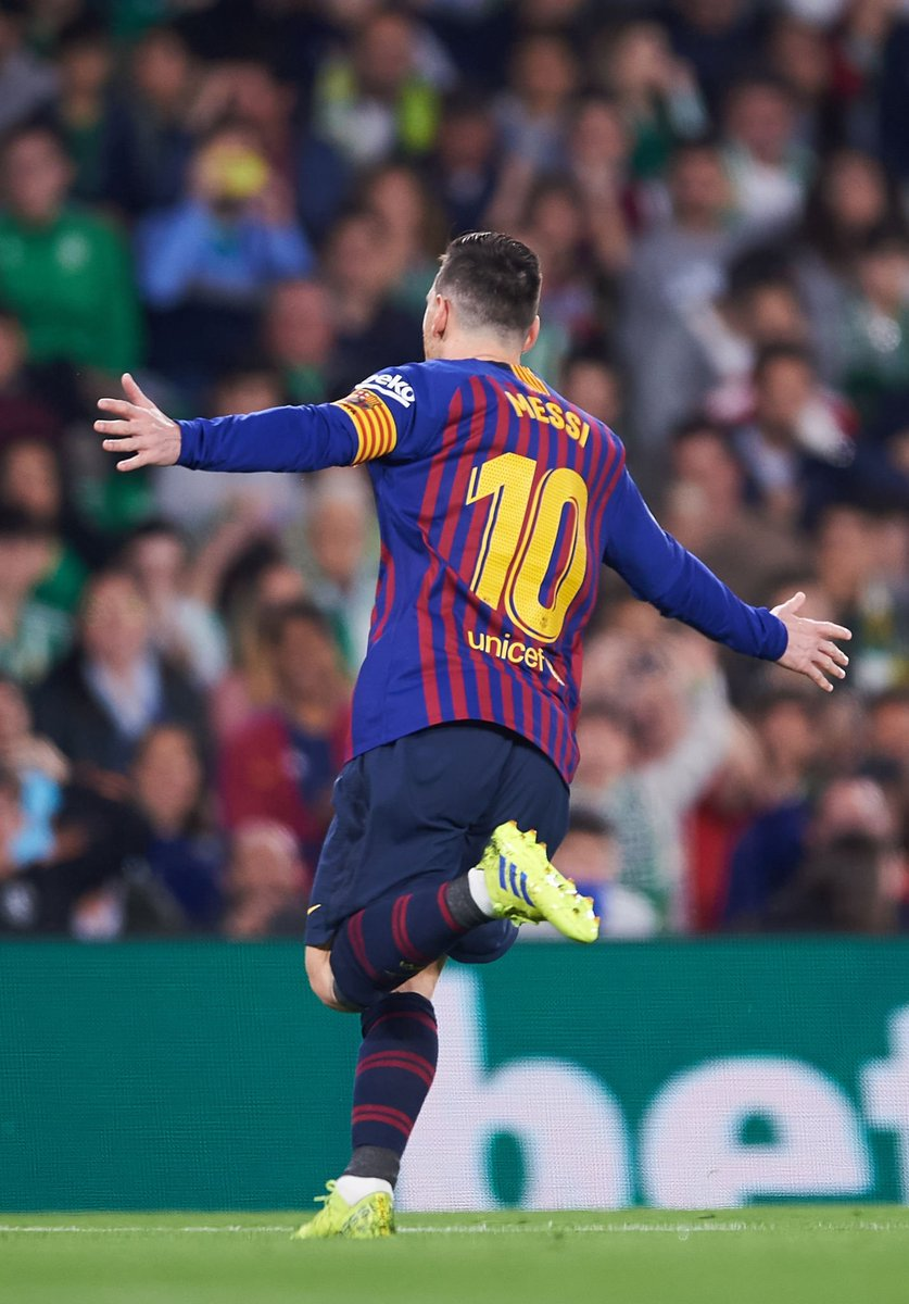 Most MOTM (Man of the match) since 2010/2011:  255 Messi 👑 125 Cristiano 93 Hazard 89 Ibrahimovic 65 Suárez 65 Neymar 62 Bale 58 Griezmann 53 Arturo Vidal 50 Marco Reus  No one is even close, nothing there that they can do 🤷🏽♂️