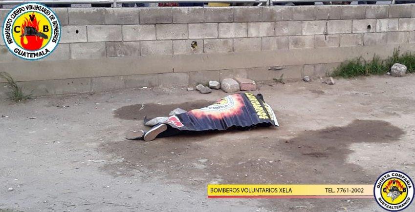 #EMERGENCIASCVB122   @BVoluntariosGT #QuintaCompañia Cubrieron emergencia de Un ATAQUE ARMADO  que dejo una Mujer fallecida en la 7a calle y 3a Avenida zona 2  de Xela.   🚒🚒Emergencias 🚒🚒 ☎️122 nivel nacional